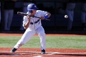 baseball-player-688372_640